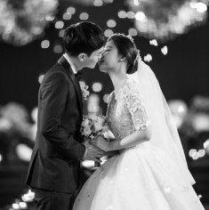 Группа EXO на свадьбе  сестры Чанёля