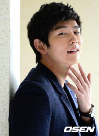 Юн Гюн Сан / Yoon Kyoon Sang