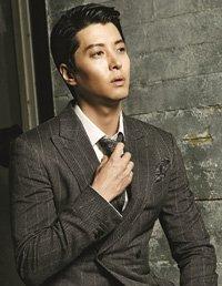 Ли Дон Гон присоединяется к Син Хе Сон и Ким Мён Су на съёмках новой дорамы