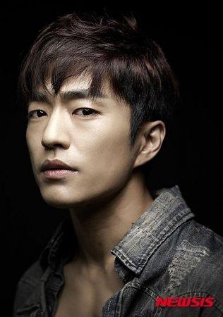 Чон Мун Сон / Jung Moon Sung