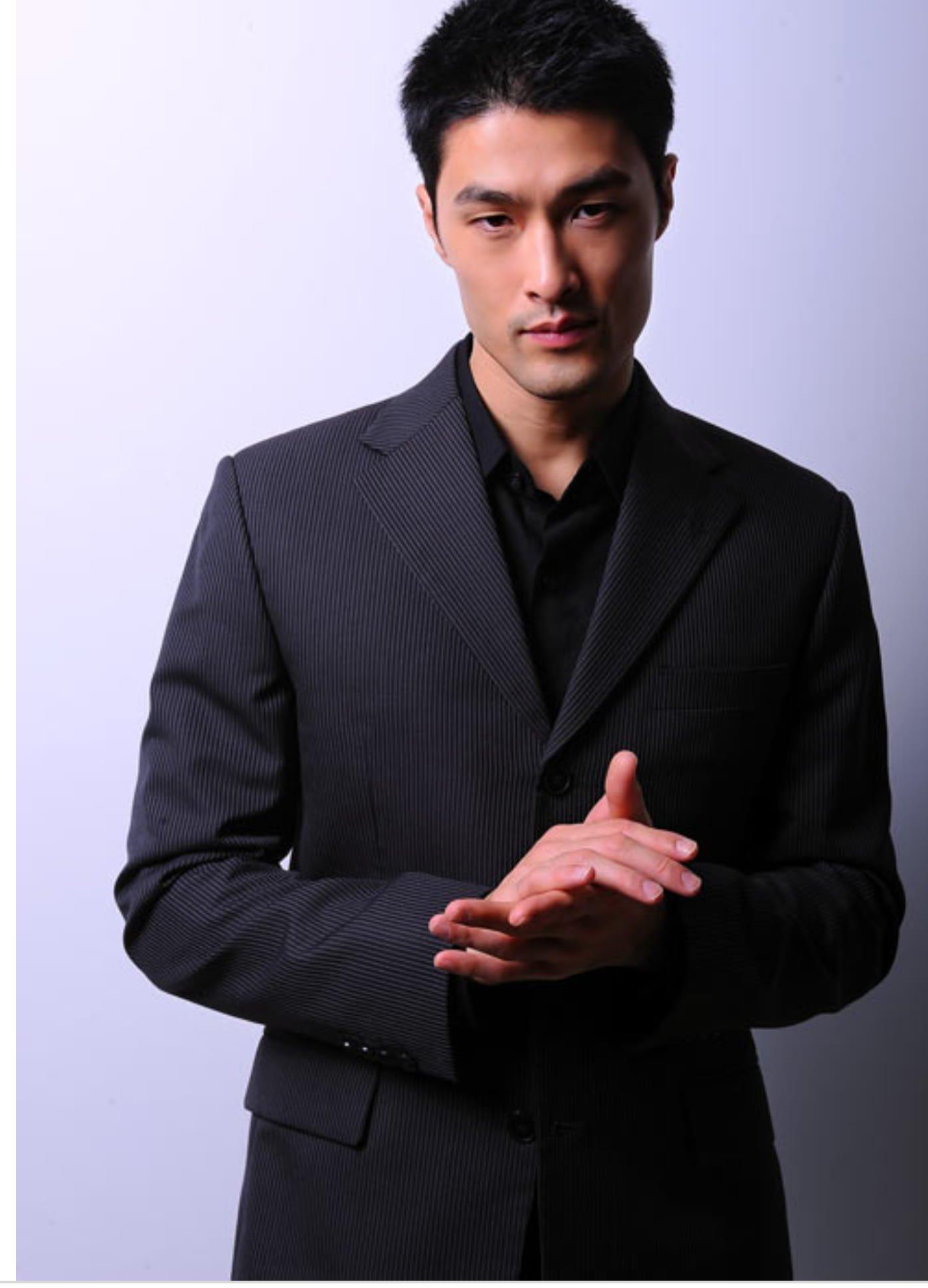 Джонни Нгуен / Johnny Tri Nguyen