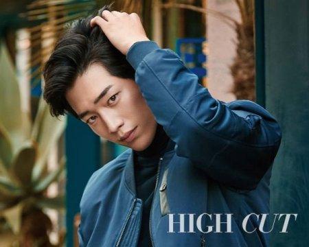 Самое популярное лицо среди корейских мужчин, желающих измениться