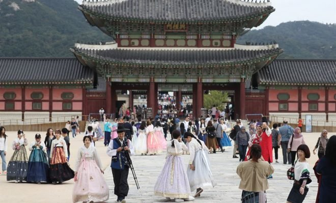 Праздник Чусок  открывает королевские дворцы  Сеула для свободного посещения