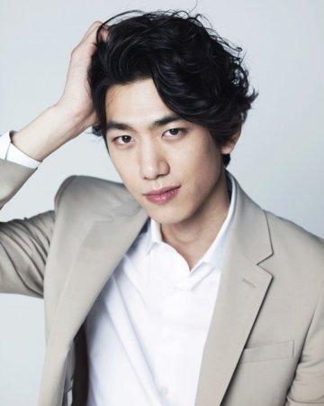 Сон Джун / Sung Joon