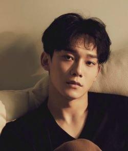 Чен из EXO  вновь возвращается сольно