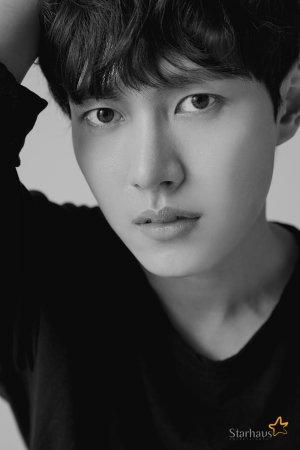 Ли Тхэ Ри / Lee Tae Ri